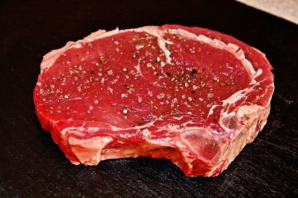 New York Strip vs Ribeye Steak: What's the Difference?