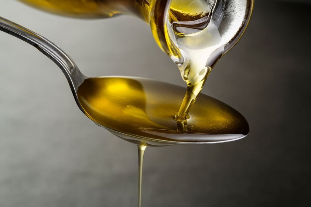Should You Mix Peanut Oil with Vegetable Oil_Alices Kitchen