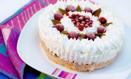 Buttercream vs Whipped Icing: Icing a Cake the Right Way