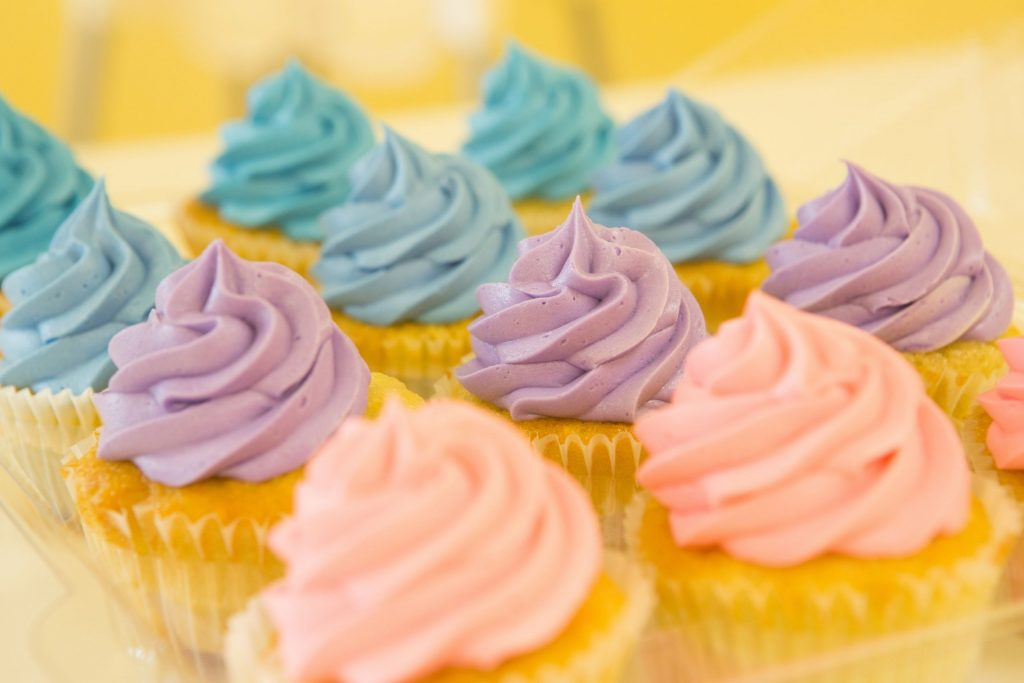 How to Make Skin Color Frosting and Icing_Alices Kitchen