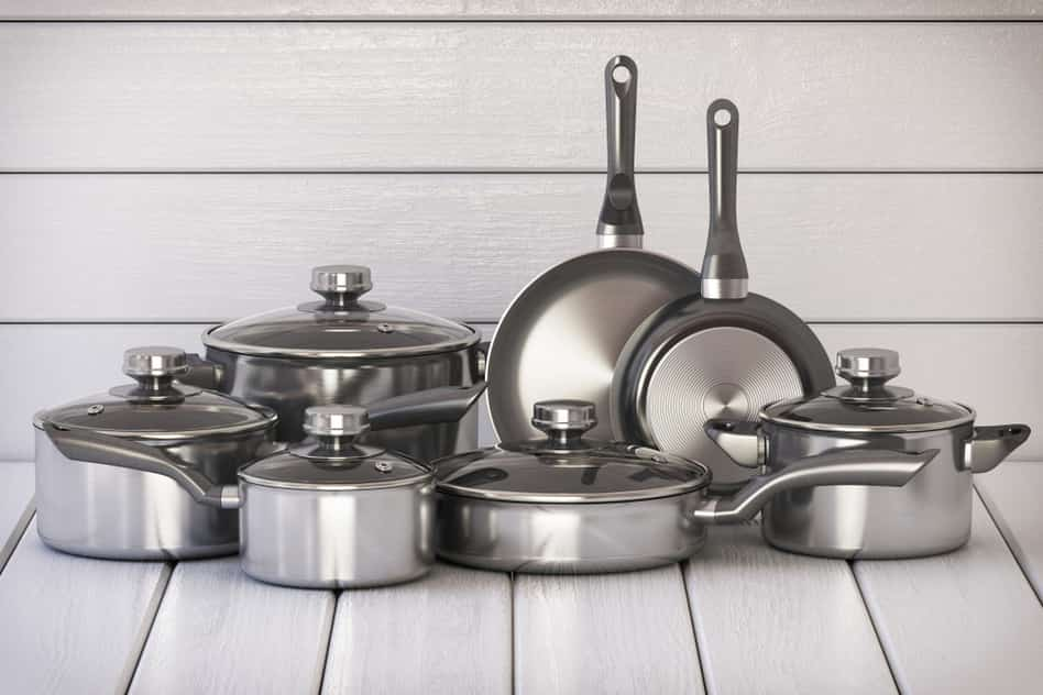 Is stainless steel cookware non stick?