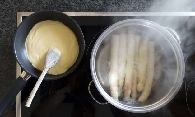Non-Stick vs Stainless Steel Cookware